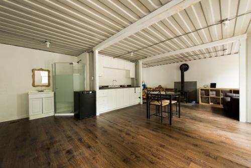 集装箱房屋该如何改造成豪华的别墅呢?